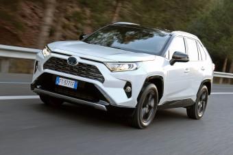 Új RAV4 - tágasabb, erősebb a legnépszerűbb Toyota SUV