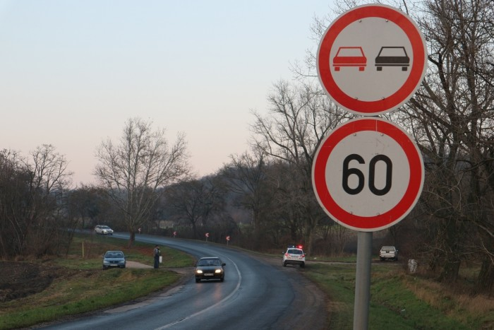 Dolgok mondani a sebességkorlátozás során