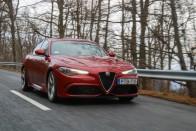 Meg mernéd venni ezt a hírhedt Alfa Romeot? 4