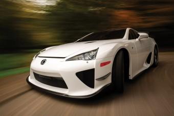 A Lexus LFA-ból már menthetetlenül méregdrága klasszikus lesz