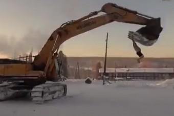 Az oroszoknál így néz ki egy vurstli -37 fokban