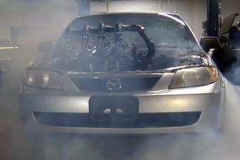 Sírva fakad a Bugatti, ha meglátja ezt a quad-turbós Mazdát