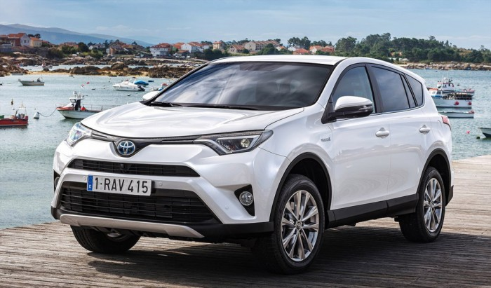 Új RAV4 – tágasabb, erősebb a legnépszerűbb Toyota SUV 5