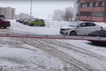 Olyan hideg volt egy orosz városban, hogy reszketett a sorompó