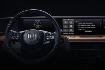 Faltól falig kijelző a Honda városi villanyautójában