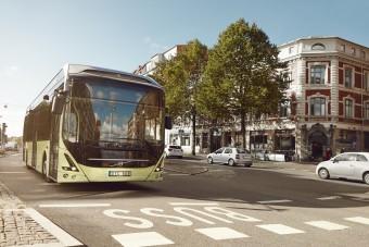 Önvezető buszokat tesztel a Volvo Szingapúrban