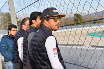 F1: Alonso benézett a tesztre, élre ugrott a McLaren