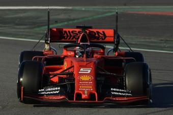 F1: Vettel ez élen, bajban a Red Bull?