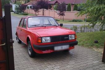 Gyönyörű öreg Škoda eladó, kevés kilométerrel, emberi összegért