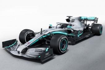 F1: Megérkezett Hamilton idei Mercedese