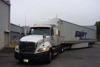 Kétezer forintért tette le a jogsit, most Amerikában kamionsofőr
