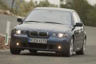 Elsőkerekes sportmodell a BMW-től, 265 lóerővel 2