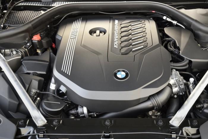 A Lexus is megkapja a Toyota Supra BMW-motorját? 2
