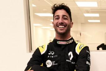 Videó: Ricciardo első napja a Renault-nál