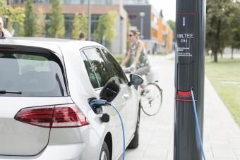 Magyarok forradalmasíthatják a villanyautók töltését