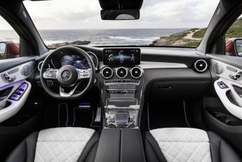 Kötelező új felszerelés jön minden autóban