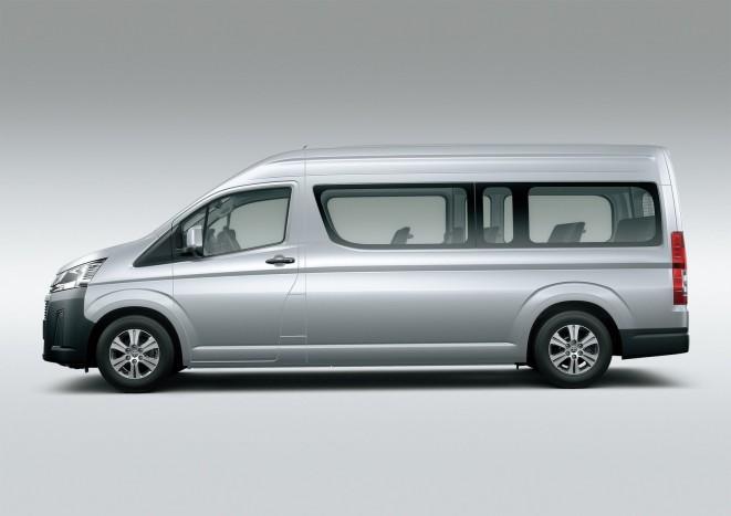 Újra kapható 17 személyes Toyota 7