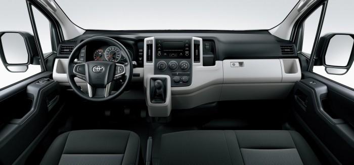 Újra kapható 17 személyes Toyota 10