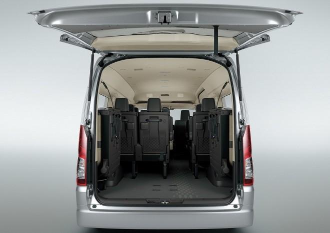 Újra kapható 17 személyes Toyota 4