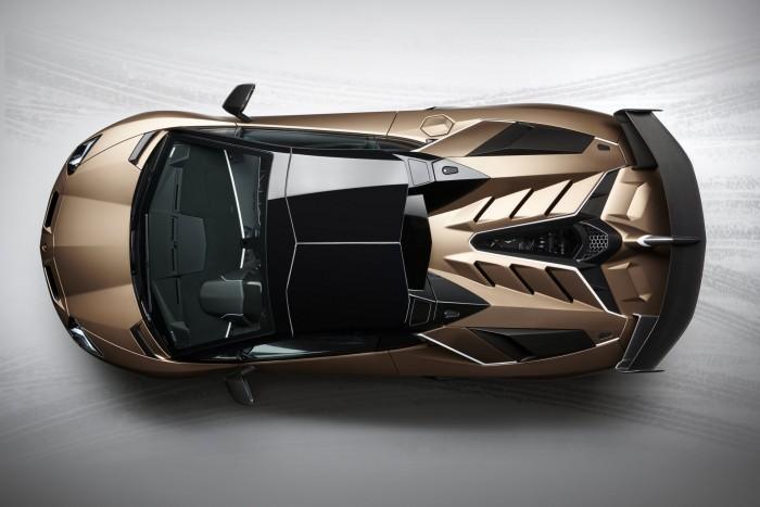 Roadsterként is félelmetes a csúcs-Lamborghini 4