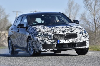 Elöl hajt, mégis brutálisabb lesz az új BMW 1-es