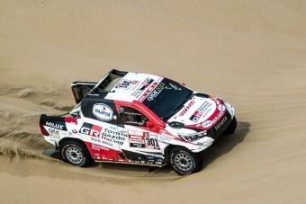 Dakar-járgányt tesztel Alonso