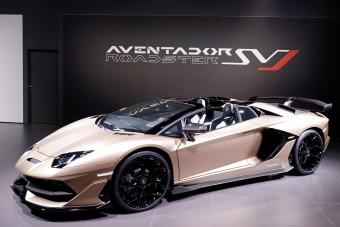 Roadsterként is félelmetes a csúcs-Lamborghini
