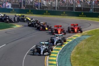 F1: Puff, nagy pofon a Ferrarinak!