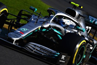 F1: Bottas mindent besöpört