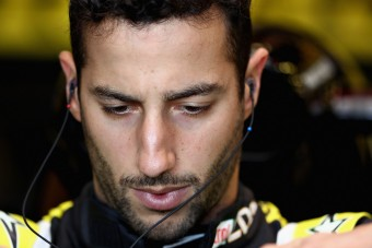 F1: Ricciardót teljesen kiszipolyozta a hazai sajtó