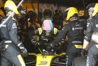 F1: Ricciardo beszólt a riporternek a kiesés után