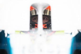 F1: Borzasztó helyzetben a Williams
