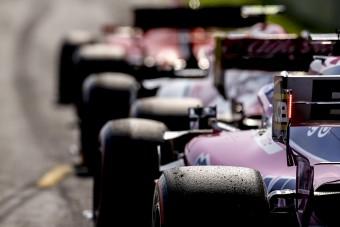 F1: Bahreinben bekeményít a Pirelli