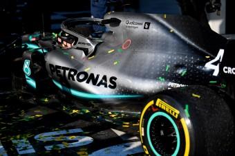 A Mercedes nem száll ki a Forma-1-ből