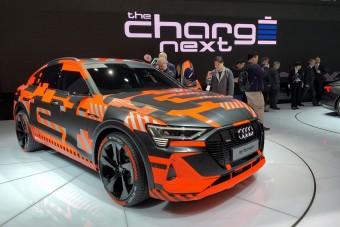 Villanyautó- és hibridáradat az Auditól