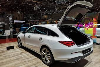 Tágasabb lett a Mercedes kecskeméti kombija