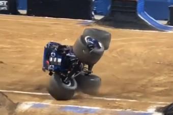 Az autós, aki csúnyán áthágja a fizika törvényeit