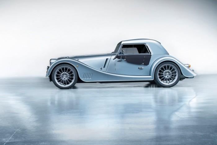 Felrúgva tiszteli a hagyományokat a Morgan Plus Six 6
