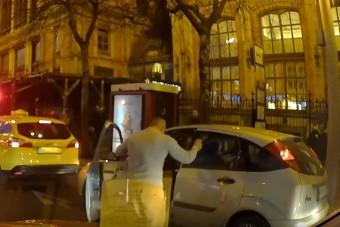 Vérpezsdítő táncot nyomott egy autós a Nyugatinál