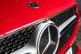 60 ezer autót hív vissza a Mercedes