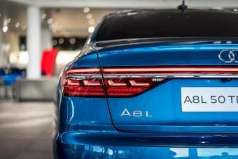 Egymilliós fényezés csillog ezen az A8-as Audin