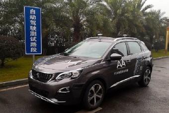Közúton gurulnak a Peugeot önjáró autói