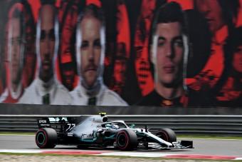 F1: Bottas megverte Hamiltont Kínában
