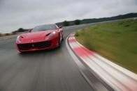 Szárnyal a sportkocsik és a luxusautók magyarországi értékesítése 8