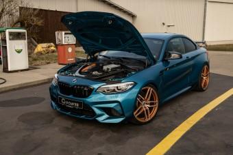 Izomból uralja a belső sávot ez a tuningolt M2-es BMW