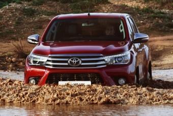 Hibrid kisteherautót épít a Toyota