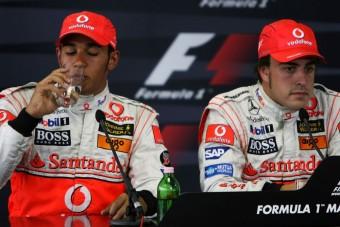 F1: A McLaren nem kér Alonsóból és Hamiltonból
