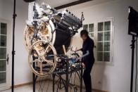 Így eteti meg egy mérnök a macskáját – videó 1
