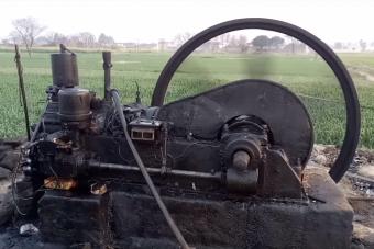 Még mindig húzza az igát a 70 éves, muzeális dízelmotor