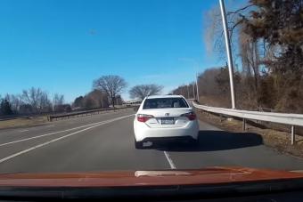 Így lesz életveszélyes a lassú sofőr autópályán